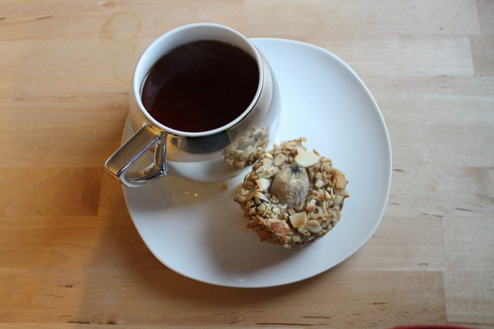 Weekly Eats - Baked Banana Oatmeal Muffins & Tea