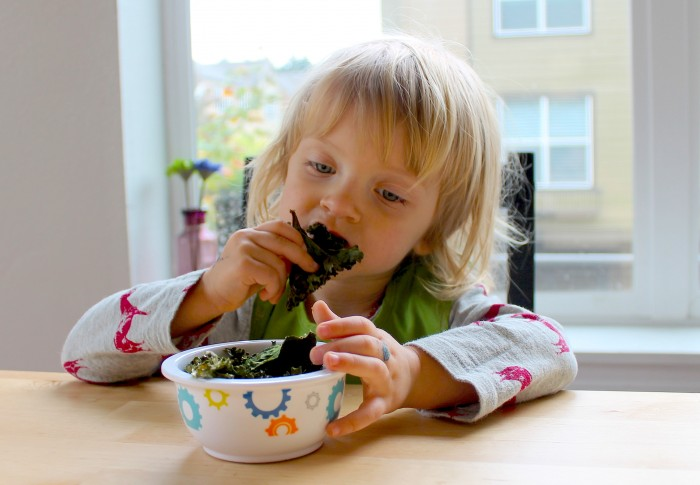 Tots in The Kitchen - Salt & Vinegar Kale Chips muncher