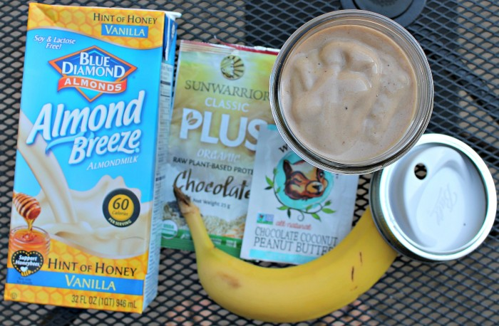 [Recipe] Dairy-Free Chocolate Protein Shake with a Hint of Honey Vanilla Almondmilk - @RunningWithTongs